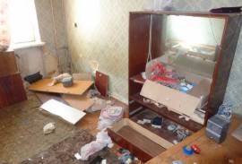 Разборка старой мебели всякого хлама и вынос