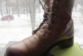 Желтые зимние женские ботинки отличного качества